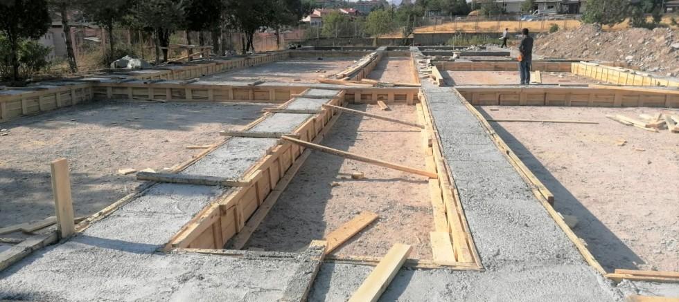 Prefabrik okulların temeli atıldı