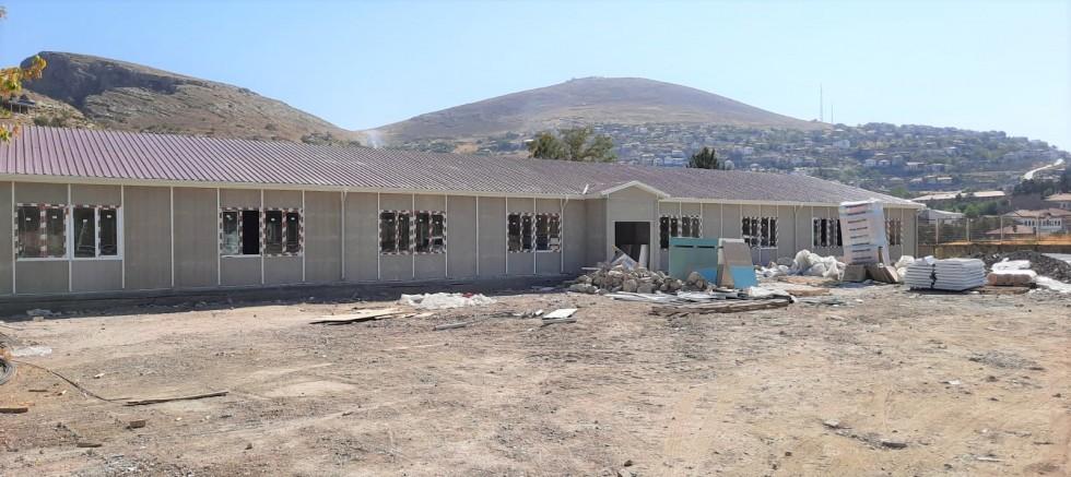 Prefabrik okulların yapımı bitiyor