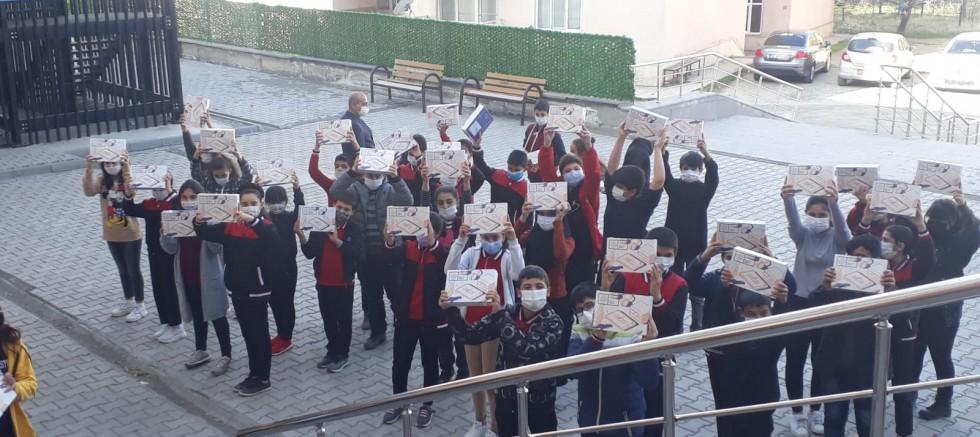 YIBO Öğrencilerine Tablet